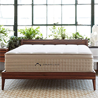 Dream Cloud  Hybrid Mattress